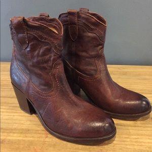 Frye Tabitha pull on boot